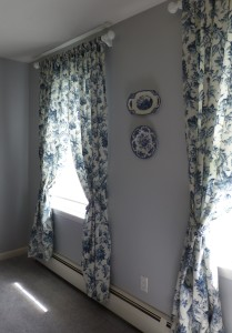 Delft ware curtains