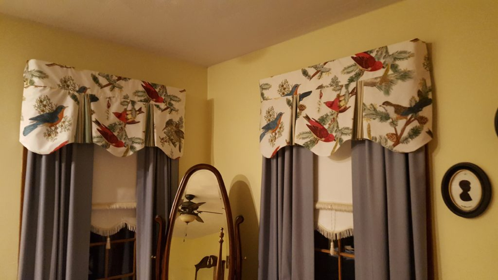 Scalloped valances