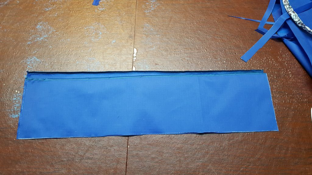 Pin to side rectangles together and stitch.